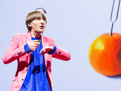 The sound of color: Neil Harbisson's talk visualized
